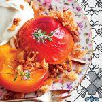 Pêches au sirop, pain croquant et sauce aux amandes recette