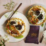 Tartelettes salées aux prunes et fromage de chèvre