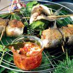Recette Brochettes de lavande aux feuilles de figuier sauce criolla